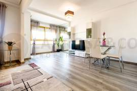 Resale - Apartment - Torrevieja - Torrevieja Center