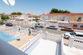 Resale - Terraced house - Torrevieja - Playa de los Naufragos
