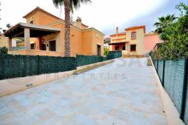 new-built-villa-rojales-golf-entrance-parking-place-on2103