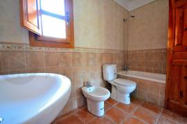 new-built-villa-rojales-golf-bathroom-2-on2103