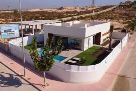 new-built-villa-la-marina-location-on2089