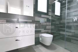 new-built-villa-la-marina-bathroom-shower-2-on2089