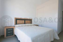 new-built-villa-la-marina-bedroom-on2089