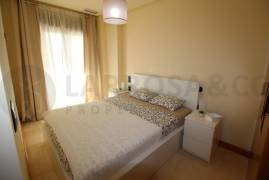 resale-apartment-beach-guardamar-master-bedroom-rv2104